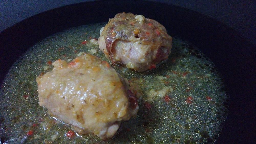 Contramuslos de pollo rellenos