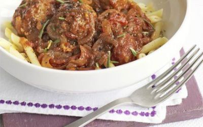 Recetas – Albóndigas de cordero con salsa de tomate y romero