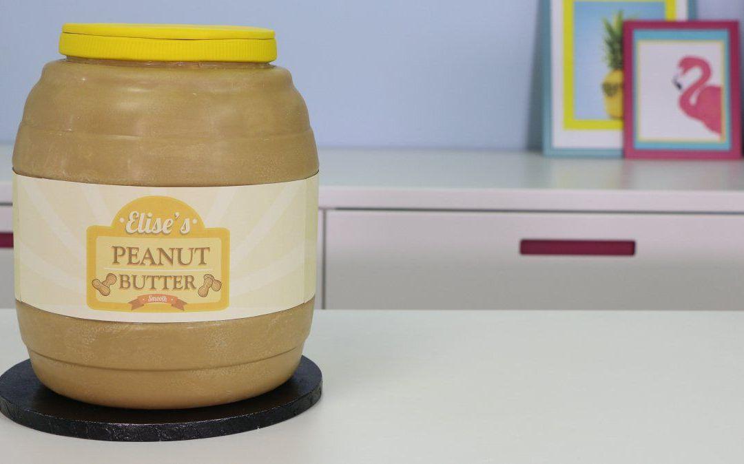 Pastel gigante de tarro de mantequilla de maní