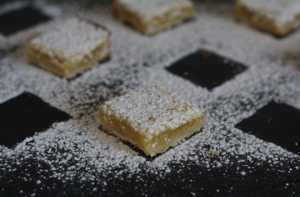 barras de limón superbowl + meyer con corteza de sal y pimienta