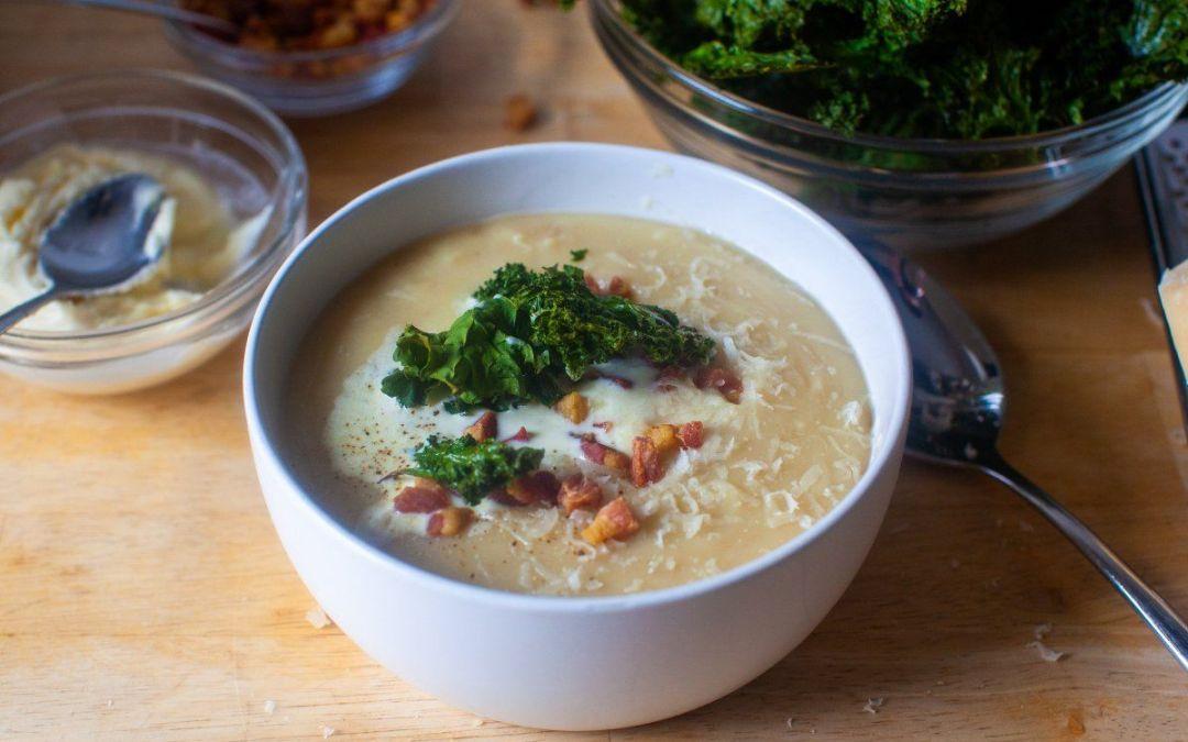 sopa de frijoles blancos con col rizada crujiente – cocina herida