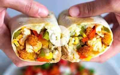 Burritos de verduras con coliflor asada picante