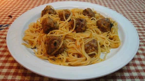 espaguetis con albondigas 111