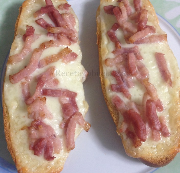 Paninis caseros de queso y bacon0 (0)