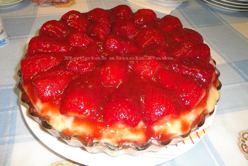 Tarta de fresas ofrecida por Antoñita García