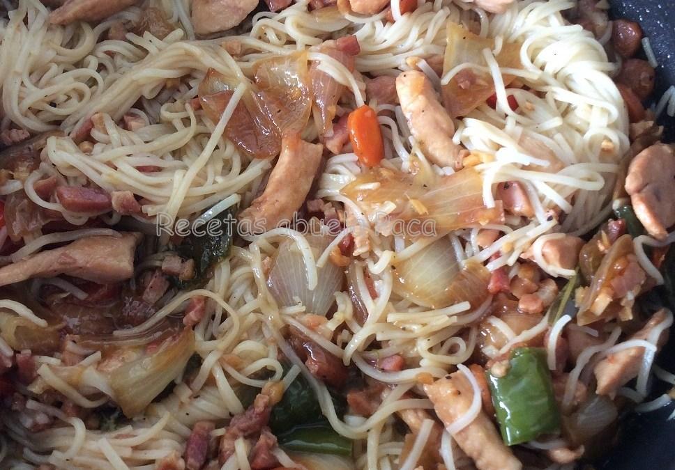 Fideos chinos con pollo0 (0)