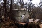 Fontainebleau boulder Echoes 7b+ mantle Font Bleau