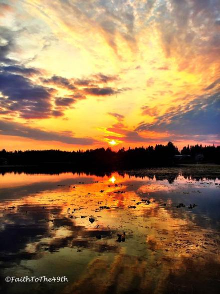 Another amazing sunset this evening over #SportsLake in Soldotna! Photo credit: Brian Moore / Faith To The 49th https://www.facebook.com/faithtothe49th