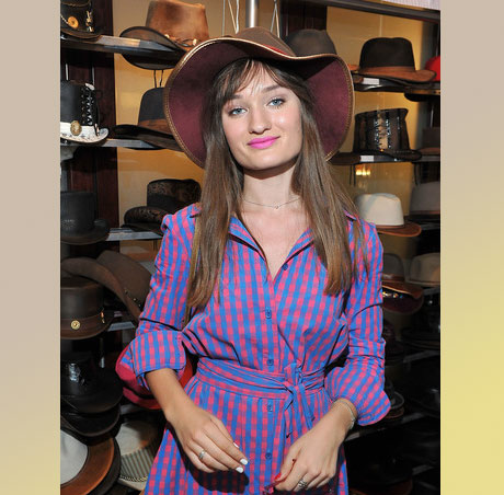 Singer-songwriter Diana Gloster with American Hat Makers