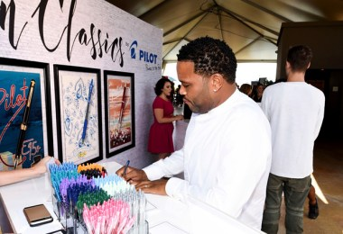 Anthony Anderson penning inspirational message for Pilot Pens
