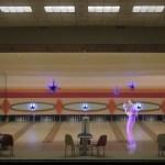 Dieser Künstler baut Szenen aus Big Lebowski oder Twin Peaks als Hologramme nach