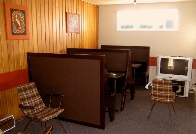 old lounge lodge