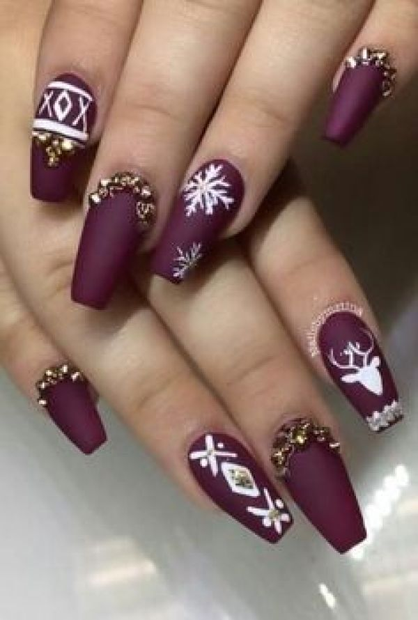 10 Latest Celebrities Manicures Trends Of 2020: Get These Cute And Sophisticated Nail Art Colors For The Coming Holiday!