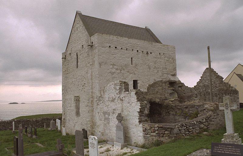 Abbazia cistercense di Clare Island dove la leggenda narra sia sepolta Grace O'Malley