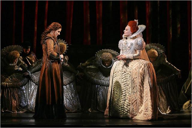 Grace O'Malley incontra Elizabeth I Tudor a Broadway