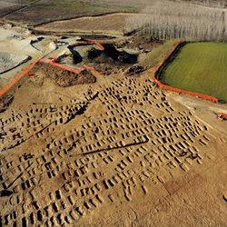 Vista aerea della necropoli durante i lavori