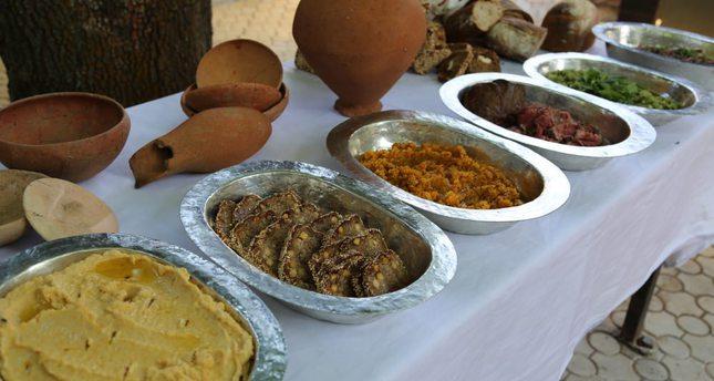 """Cibi preparati secondo le """"ricette"""" di 4000 anni fa (Foto: http://www.dailysabah.com/)"""