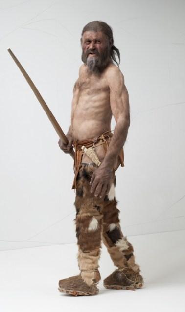 La ricostruzione di Ötzi esposta al Museo Archeologico dell'Alto Adige, Bolzano