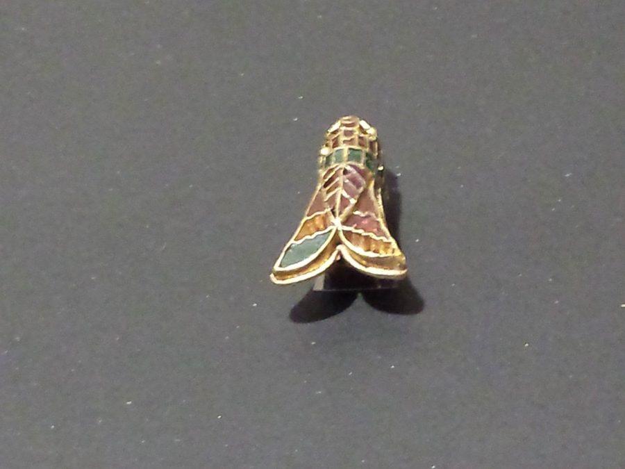 Fibula a cicala in oro cloisonne (Foto: La Storia Viva)
