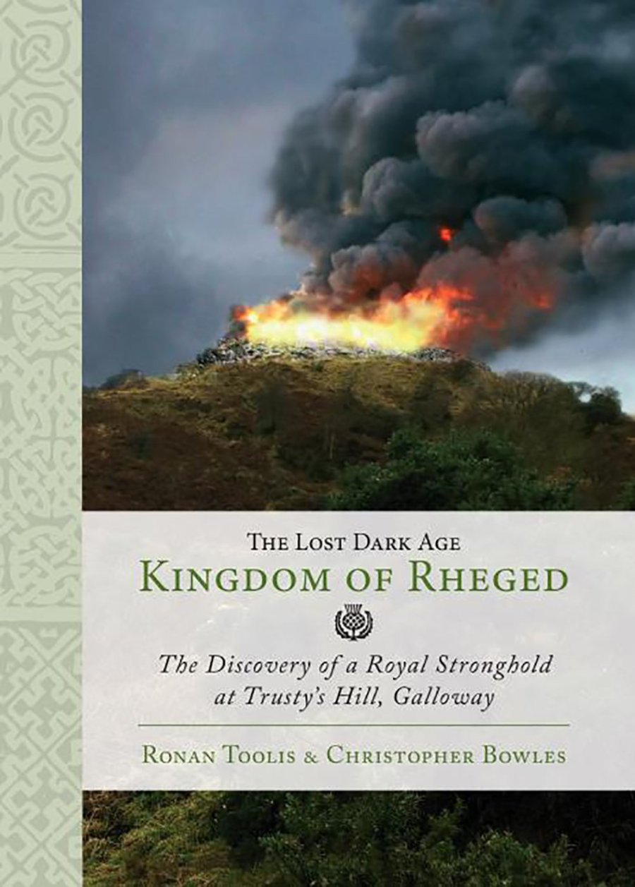 "La copertina del libro ""The Lost Dark Age Kingdom of Rheged"" di Ronan Toolis e Christopher Bowles presentato oggi 22 gennaio 2017."
