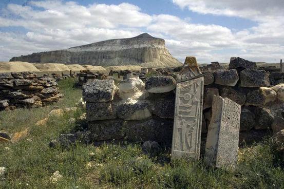 Il sito megalitico probabilmente edificato dagli Unni (Foto: Evgenii Bogdanov)