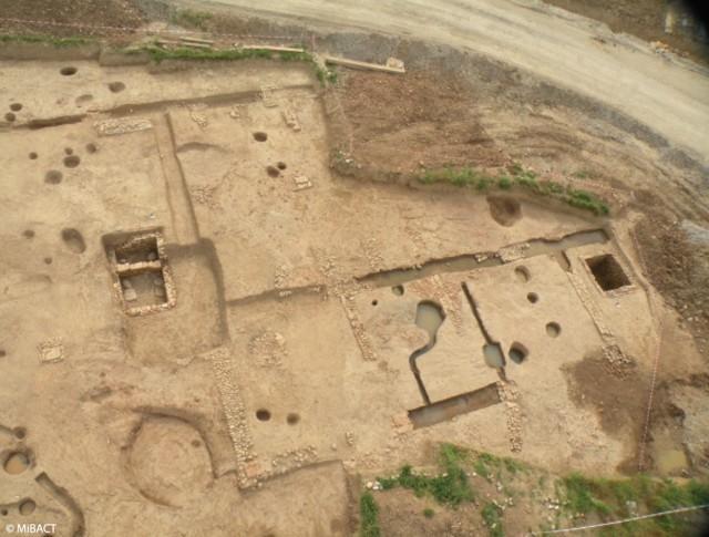 Panoramica del sito di Caravaggio con i resti della villa rustica romana (Foto: MIBACT)
