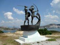Monumento in memoria della battaglia di Salamina, sulla penisola di Cinosura, nell'isola di Salamina