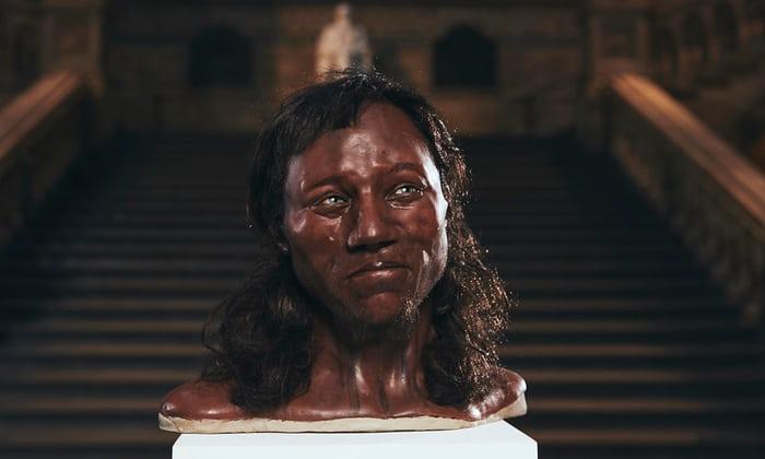 Una ricostruzione forense della testa di Cheddar Man, basata sulle nuove prove del DNA e sul suo scheletro fossilizzato.(Foto: Channel 4)
