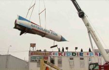 the rocket that was the symbol of Astroland Amusement Park, is removed as part of the park's dismantling in January 2009.