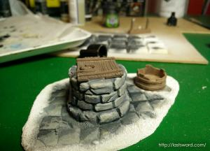 Pozo-Warhammer-Water-Well-Fantasy-Scenery-Mordheim-1650-Modelling-How-Scultp-03