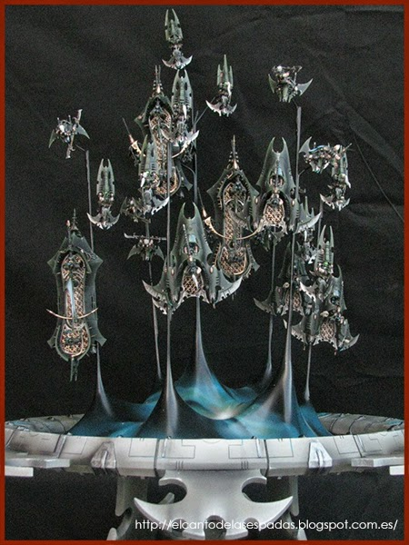 Fleet-Dark-Eldar-Webway-Gate-Armies-Parade