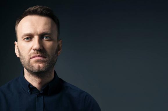 Алексей Навальный сайт. Твиттер. ФОнд Борьбы с коррупцией