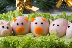 Закуска Поросята рецепт ,Закуска Поросята как сделать, закуски из яиц на Новый год свиньи, как сделать поросенка из яиц, свинки из яиц на Новый год 2019