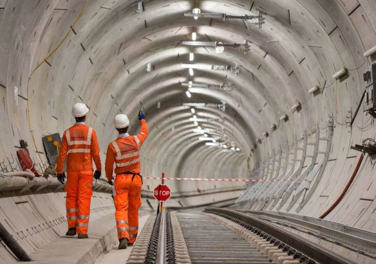 crossrail - Crossrail chiefs warn that £14bn Elizabeth line could blow its budget and open late