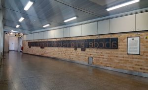 farringdon johnston font 01 600x367 - London Underground unveils a Johnston font memorial