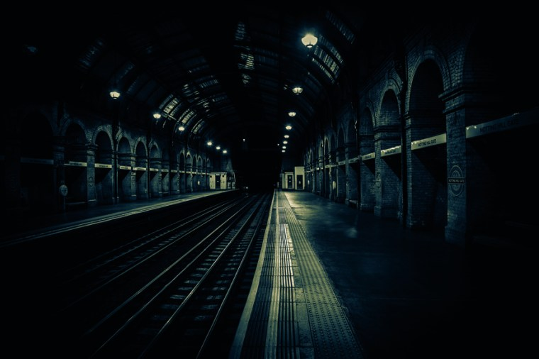 notting hil gate - These Remarkable Photos Show London's Tube Stations Completely Deserted