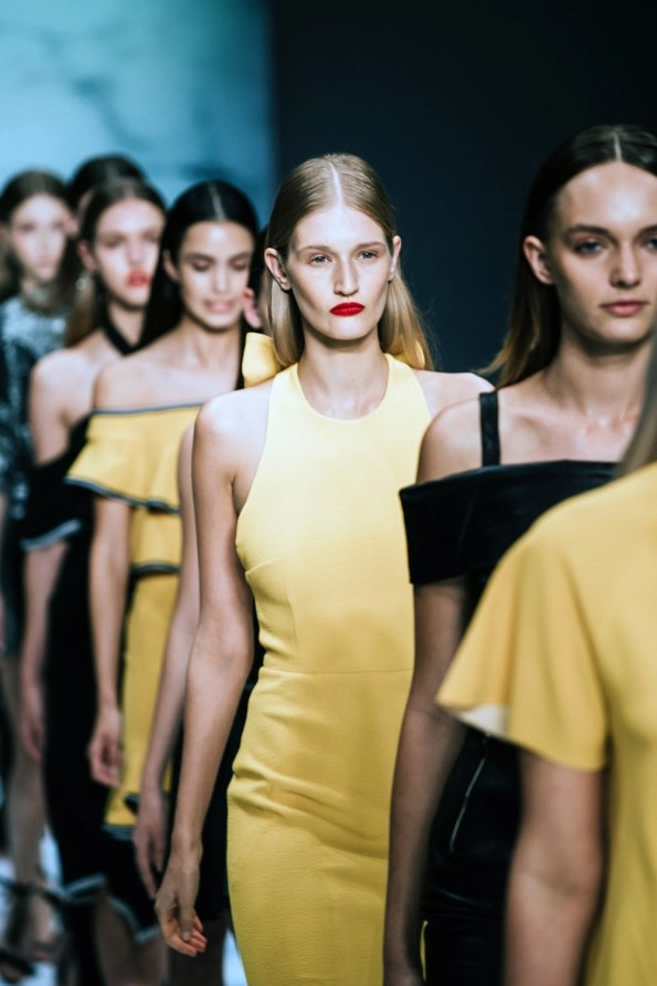 canary-yellow-in-fashion