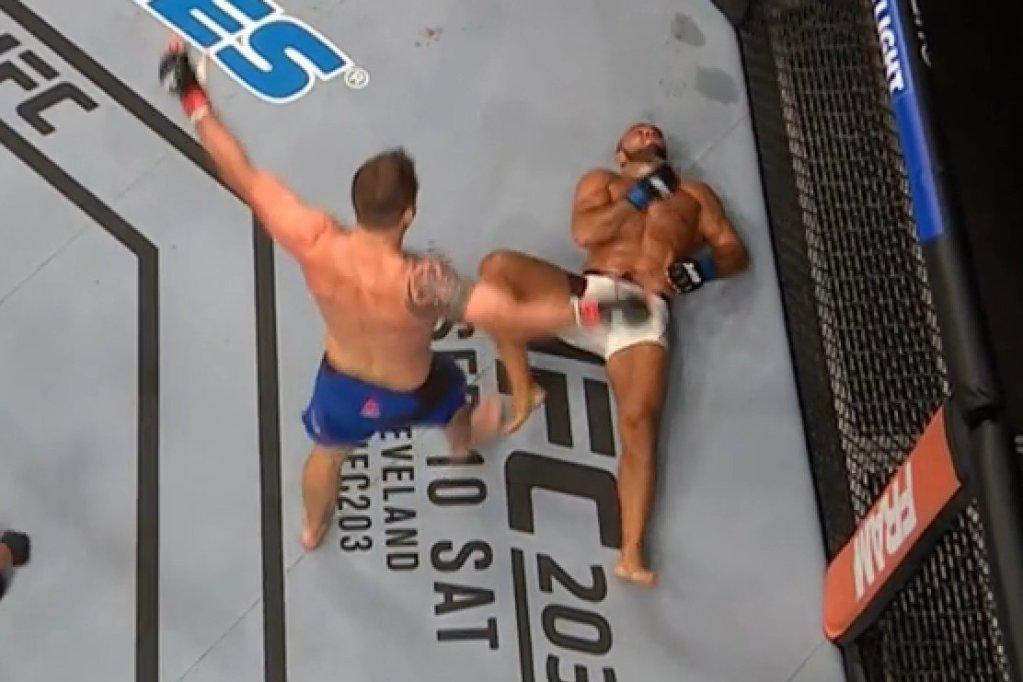 UFC Hamburg - Ryan Bader atomise Latifi pour nous offrir un KO venu d'ailleurs