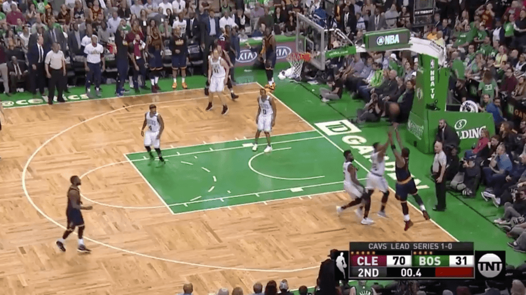 Le gros buzzer beater de JR Smith pour le record contre les Celtics