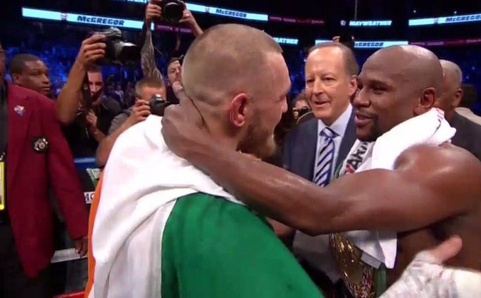 LeBron James rend hommage à Conor McGregor et Floyd Mayweather