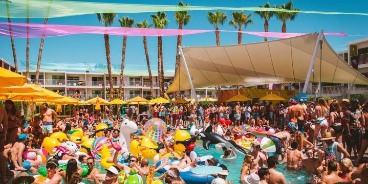 Le Splash House Festival: La plus grosse swimming pool party des US
