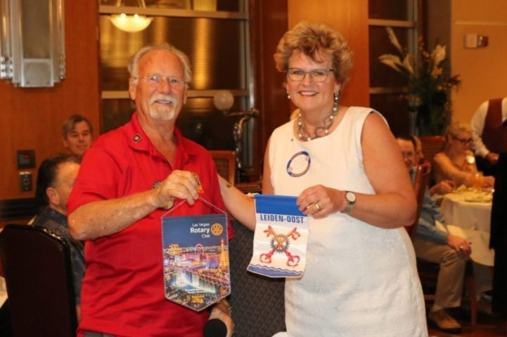 Bob Werner introduced and traded Banners with our international Guest from the Netherlands Anita America-Mantel.