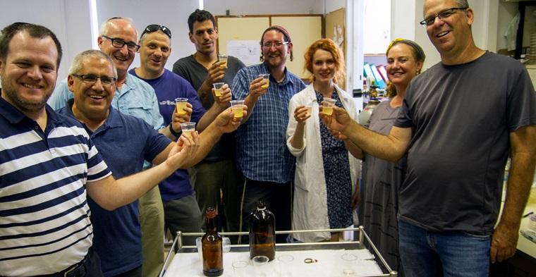 Logran resucitar la cerveza de Cleopatra a partir de hallazgos de levadura de cerveza de casi 5,000 años.