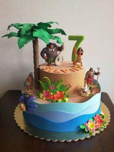 A Creative Family - Torta con cake Topper Disney Oceania