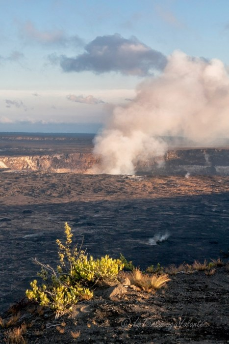Hawaii vulcano Kilauea by day