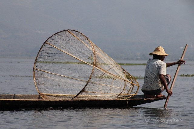 Viaggio in Myanmar, Lago Inle pescatore in viaggio