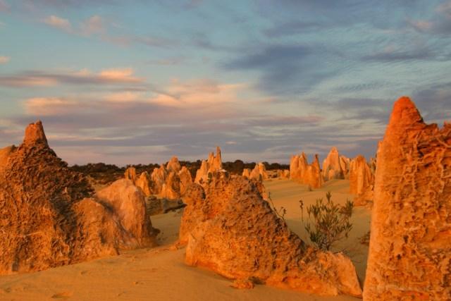 deserto dei pinnacoli, tramonto sulle rocce