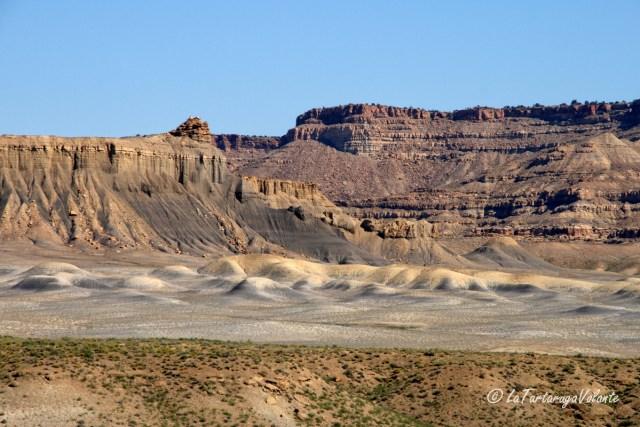 Monument Valley , lungo la strada