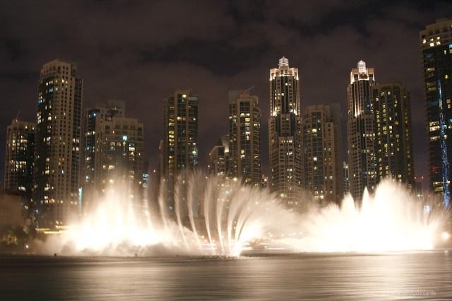 Dubai, le fontane di sera