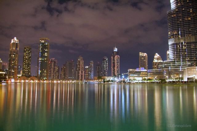 Dubai, notte fra i grattacieli